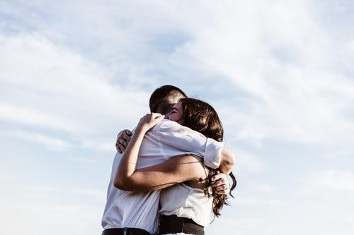 恋愛で縁がある人とは切れない 別れても再会できる運命の人の特徴